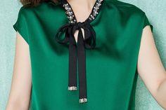 2016 verão mulheres chiffon de seda do pescoço blusa manga curta blusa senhora escritório trabalho OL cetim mulheres top em Blusas de Moda e Acessórios no AliExpress.com | Alibaba Group