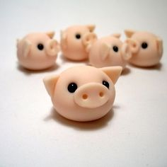 Wee Pigling Ornament - so simple and easy - would make cute beads.: