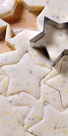 Sugar Plum Shortbread Christmas Cookies ~ Scrumptious old-fashioned buttery shortbread kissed with sunny orange zest, pecans and a whisper of spices topped with Sugar Plum Jam (Stonewall) and sparkling sugar (King Arthur) Christmas Brunch, Christmas Sweets, Christmas Cooking, Noel Christmas, Christmas Breakfast, Holiday Cookies, Holiday Treats, Holiday Recipes, Christmas Shortbread Cookies