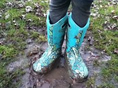 The Montessori Schoolyard: Good Reasons to Play in the Mud