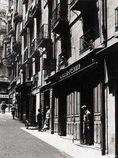 Hola a todos: Siempre me ha interesado mucho el Madrid Antiguo, por eso he decidido recopilar todas las fotos que encuentre por internet. ...