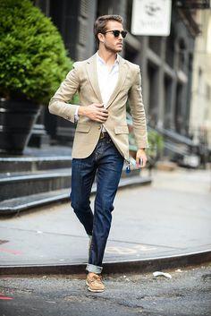 Summer Denim – Two Ways! | GALLA. Well Dressed Men, Sperrys With Jeans, Oxford Jeans, Moda Outfits, Blazer Outfits, Pants Outfit, Business Style, Business Fashion, Men Fashion