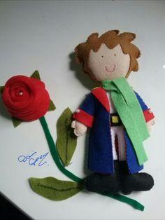 Pequeno príncipe em feltro. #presente #pequenoprincipe #lembrancinha #feltro #eloscriacoes