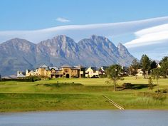 Golf & Wine Estate, Stellenbosch #SouthAfrica - 40 minutes from La Clé des Montagnes - 4 luxury villas in Franschhoek