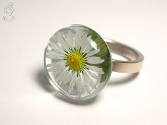 Daisy  tender blossom ring with one real by GeschmeideUnterTeck