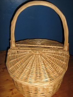 Large Vintage Woven Wicker Picnic Basket. by MEMsArtShop on Etsy
