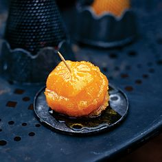 Give children a fruity treat at Halloween with this simple recipe for oranges in maple syrup.