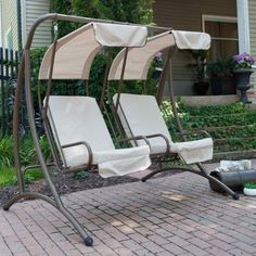 Get comfy with your special someone and take in the beauty of your surroundings in these super cozy patio swing designs! Canopy Swing, Canopy Outdoor, Outdoor Seating, Outdoor Chairs, Outdoor Decor, Outdoor Spaces, Swing Design, Canopy Design, Patio Design