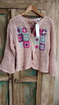 Baby Boy Sweater, Knit Baby Sweaters, Girls Sweaters, Wool Sweaters, Crochet Jumper, Crochet Granny, Knit Crochet, Crochet Fashion, Crochet Clothes