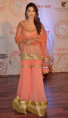 Gauahar (Gauhar) Khan at Vikram Phadnis's fashion show.
