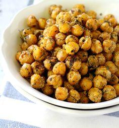 14 High-Protein Snacks Under 200 Calories