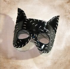 Leather Catwoman  Cat Mask by Masqueradesnbonesaws on Etsy, $35.00 Catwoman Mask, Catwoman Cosplay, Halloween 2018, Halloween Masks, Cosplay Diy, Cosplay Costumes, Naruto Cosplay, Cat Mask, Trunk Or Treat