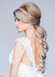 Love this wedding hairstyle | wedding hairstyles | |wedding | | hair style | #weddinghairstyles #wedding https://www.starlettadesigns.com/