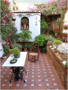 Garden room exterior Mexican Tile Floor And Decor Ideas For Your Spanish Style Home - DIY Ideas Outdoor Rooms, Outdoor Gardens, Outdoor Living, Small Gardens, Outdoor Decor, Spanish Style Homes, Spanish House, Spanish Colonial, Spanish Revival