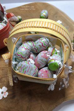 Diese kleinen Körbchen sind toll als geschenk oder Deko geeignet und superschnell gemacht. Schau gerne mal auf meinem Blog vorbei. #bastelnfürostern #osterkörbchen #stampinup #kreativierend #stampinupdemoinrastede #rastede #bastelnmitpapier Stampinup, Easter Eggs, Friends, Blog, Papercraft, Stocking Stuffers, Arts And Crafts, Basket, Creative Ideas