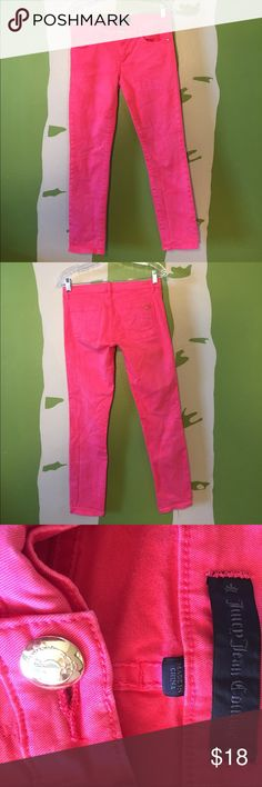 """Juicy jean couture pink straight crop, size 27 Juicy jean couture coral/pink straight crop, size 27, 27"""" inseam, great condition! Juicy Couture Pants Ankle & Cropped"""