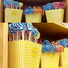 https://instagram.com/p/BRNdesVBsLN/ Il nostro reparto confetti si arricchisce di un altro grande classico..lecca lecca e bastoncini di zucchero