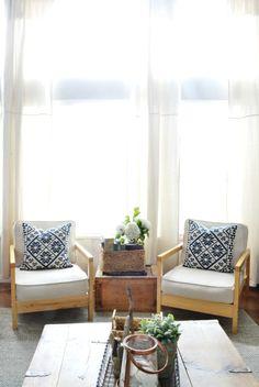 Love the way she mixes new and old in this light and airy farmhouse eclecticallyvintage.com