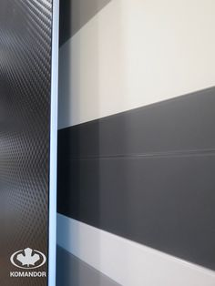 Komandor / system bezramowy Heliodor / wypełnienie szklane / szkło ornamentowe SOFT Black / szkło matowe SATI Bazaltowy & Szampański & Orzechowy