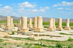 Achaemenids (Pasargadae) - Remain of The Audience Hall of the Pasargadae Palace begun (c. 540 BC). The white column, is the oldest knowen stone pillar in Iran. It was more than 13 meters high.