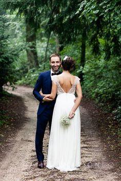 Julie wears a dress by Aurelia Hoang, French designer | wedding day - love - couple - just married - wedding - wedding photographer - france - haute savoie - marionco - marioncophotographe - destination - chartreuse de pomier - destination wedding - photographer - majenia - annecy - aurelia hoang