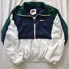 kept in super. kept in super clean 9 10 condition (just a little wrinkled currently lol) & the whites are still bright as hell nike sportswear outerwear streetwear un Teen Fashion Outfits, Nike Outfits, Retro Outfits, Look Fashion, Trendy Outfits, Vintage Outfits, 90s Fashion, Vintage 90s Clothing, Edgy Teen Fashion