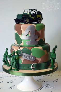 backen/Torten/ect Military theme birthday cake by Ok Noelle Muffins Care For Your Indoor Crops It's Camo Birthday Cakes, Army Themed Birthday, Army Birthday Parties, Army's Birthday, Army Cake, Military Cake, Military Party, Soldier Party, Tank Cake