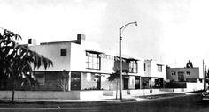 Fachada principal, Conjunto de casas habitacion, (dirección desconocida), Guadalajara, Jalisco, México 1956  Arq. Librado Vergara -  Main facade, Townhouse complex, (address unknown), Guadalajara, Jalisco, Mexico 1956