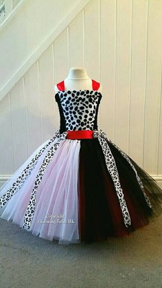 Hey, I found this really awesome Etsy listing at https://www.etsy.com/uk/listing/271353523/cruella-de-vil-inspired-long-tutu-dress