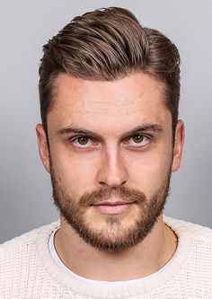 Have a square shaped face but don't know what cut to get? Here are our Top selection of haircuts for guys with square faces. [Square Face Hairstyle Insider]