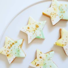 Sugar Cookies: Stars, hand painted with gold lustre. Commonwealth Games, Green And Gold, Sugar Cookies, Frost, Cupcakes, Hand Painted, Treats, Stars, Desserts