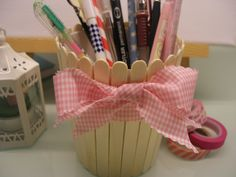DIY Popsicle pencil holder / flowerpot