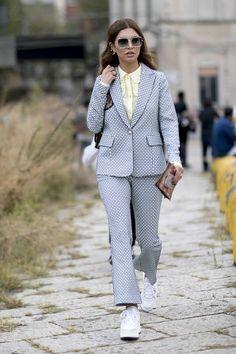 Street Style From Milan Fashion Week Fashion Milan, Milan Fashion Week Street Style, Cool Street Fashion, Street Style Looks, Star Fashion, Quirky Fashion, Urban Fashion, Mode Streetwear, Streetwear Fashion