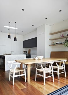 Urban living redefined and designed by Mardi Doherty and the team at Doherty Design Studio on Est Timber Wall Panels, Timber Walls, Dining Area, Kitchen Dining, Dining Room, Dining Table, Cuisines Design, Home And Deco, Beautiful Interiors