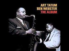 Art Tatum fue un pianista estadounidense de jazz que nació el 13 de octubre de 1909. Considerado como uno de los más importantes músicos de la historia del jazz, es especialmente reconocido por su virtuosismo en el piano y sus improvisaciones creativas.