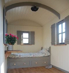 A Plankbridge Classic shepherd's hut with shepherd's bed - Vanlife & Caravan Renovation Home, Small Spaces, Tiny Spaces, Little House, Tiny House Living, Interior, House, Little Houses, Shepherds Hut