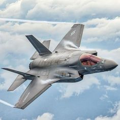 US Marines Lockheed-Martin F35 Lightning, Lightning Mcqueen, Lightning Aircraft, Us Military Aircraft, Military Jets, Air Fighter, Fighter Jets, Fighter Pilot, Us Marine Corps