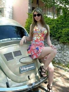 This is a discussion forum about all kinds of volkswagens. Car Girls, Pin Up Girls, Sexy Autos, High Waisted Skater Skirt, Bus Girl, Vw Vintage, Porsche Models, Hippie Lifestyle, Vw T1