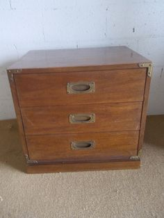 Ordinaire A Great Looking 3 Drawer Drexel Campaign Nightstand In Good Vintage  Condition. It Has Some