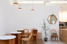 상업공간 전문 인테리어 / 어라운드30 인테리어 디자인 Tea Restaurant, Mirror, Interior, Furniture, Home Decor, Coffee, Kaffee, Decoration Home, Indoor