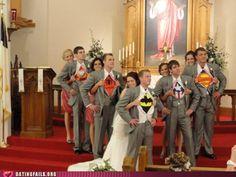 Des tee shirt de supéro héro à votre mariage pour être un mariage geek et fun  #B4wedding #wedding #mariage #geek #superhéro