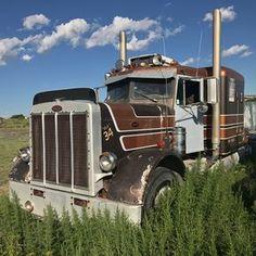Big Rig Trucks, Semi Trucks, Cool Trucks, Peterbilt 386, Freightliner Trucks, Classic Tractor, Classic Trucks, Classic Cars, 6x6 Truck