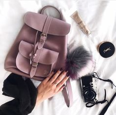 Back to school with Grafea cute bags – Just Trendy Girls Stylish Backpacks, Cute Backpacks, Girl Backpacks, Backpack Outfit, Backpack Purse, Fashion Backpack, Grafea Backpack, Fashion Handbags, Fashion Bags