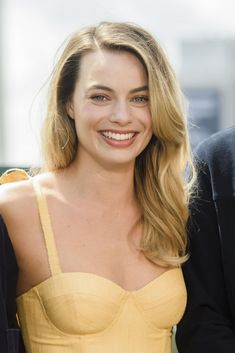 August Margot Robbie attended the photocall of 'Once Upon a Time in Hollywood' in Berlin, Germany Arlequina Margot Robbie, Margot Robbie Pictures, Actress Margot Robbie, Margot Robbie Harley Quinn, Margot Robbie Instagram, Hailey Baldwin, Look At You, Woman Crush, Girly Girl