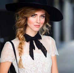 Il capo must have dell'autunno? La pussy bow shirt: parola di Chiara Ferragni - Moda, beauty e le ultime tendenze - Yahoo Style