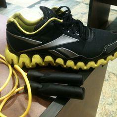 Black and yellow! love #RBKFITBLOG