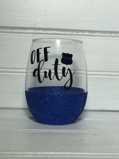 Shipping Wine Fedex Show your FAVORITE police officer LOTS of love with this adorable stemless glitter wine glass! Back the Blue! Glitter Wine Glasses, Diy Wine Glasses, Painted Wine Glasses, Police Crafts, Non Alcoholic Wine, Wine Glass Crafts, Wine Glass Holder, Wine Case, Craft Show Ideas