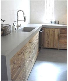 15 Ideas for kitchen rustic outdoor concrete countertops Modern Farmhouse Kitchens, Rustic Kitchen, Home Kitchens, Kitchen Decor, Concrete Kitchen, Concrete Countertops, Kitchen Countertops, Kitchen Cabinets, Industrial Kitchen Design