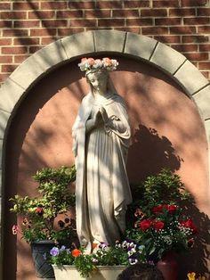 Divine Mother, Blessed Mother Mary, Blessed Virgin Mary, Grotto Design, Marian Garden, Sacred Garden, Prayer Corner, Verge, Prayer Garden