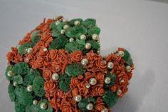 Bes-Ben-Peking-Glass-Hat-antique-rosettes-coral-green-glass